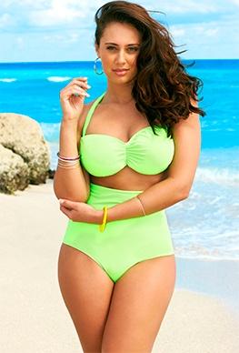 i costumi interi e i bikini perfetti per le donne curvy