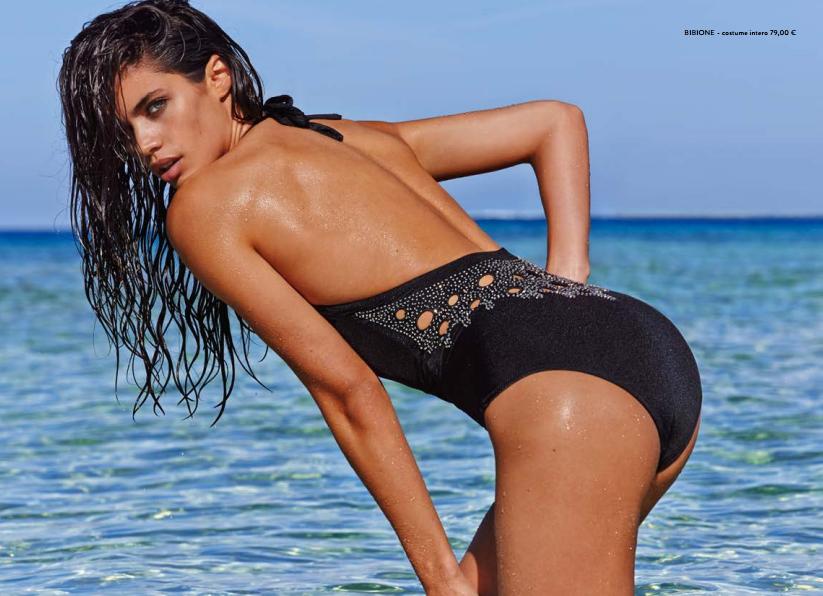 La collezione di beachwear e costumi Calzedonia ti offre il meglio e accontenta tutti, chi ama stare in acqua e chi ama prendere il sole. Tutti i nostri bikini e costumi interi sono realizzati con materiali morbidi ed elastici che si adattano perfettamente al periodo estivo.