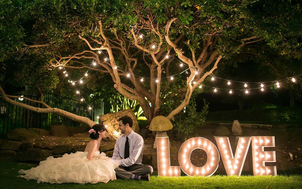 Tema Matrimonio 2017 : Tendenze matrimonio colori fiori abiti da sposa