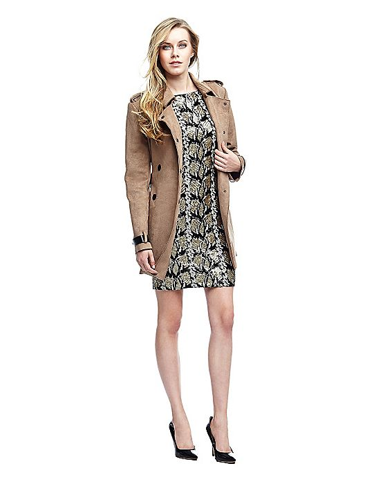 feff0cfb7b Donna Smodatamente Guess 2016 Catalogo Estate Abbigliamento ...