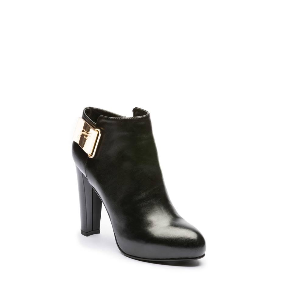 Scopri tutte le nostre marche di scarpe donna in saldo e scegli tra le marche di scarpe più famose. giorni per cambiare idea e consegna a domicilio!!