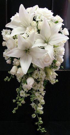 bouquet sposa bianchi verticale