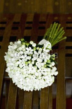 bouquet sposa bianchi semplice