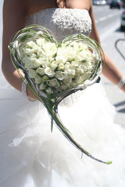 bouquet sposa bianchi cuore