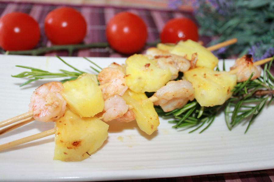 ricetta spiedini code di gamberi e ananas al naturale