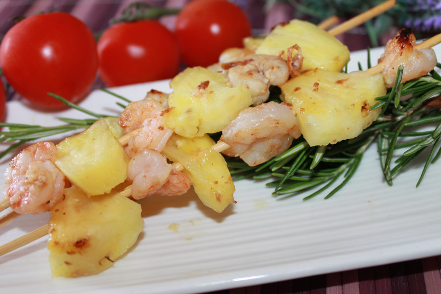 ricetta facile spiedini code di gamberi e ananas alla piastra