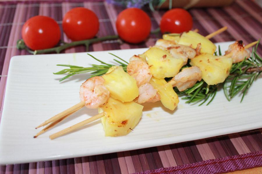 ricetta veloce spiedini code di gamberetti e ananas