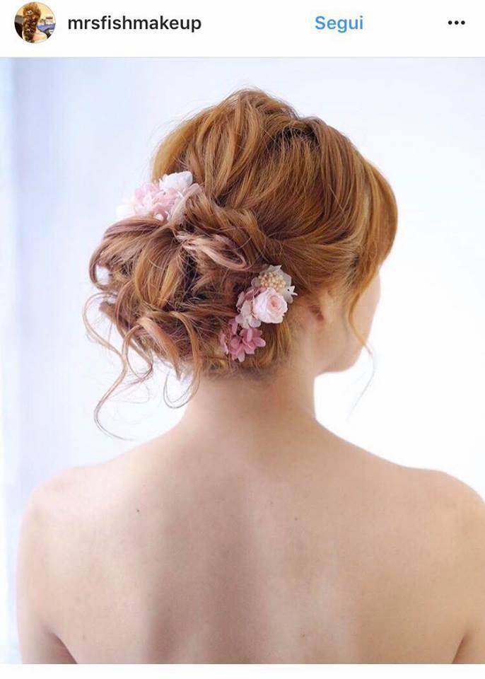 capelli sposa 2018 raccolti fiori