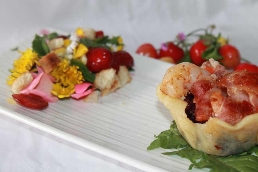 ricetta cialde di grattugiato fresco code di gamberoni insalata di fiori edibili
