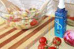 ricetta insalata estiva con pane tostato e verdure di stagione