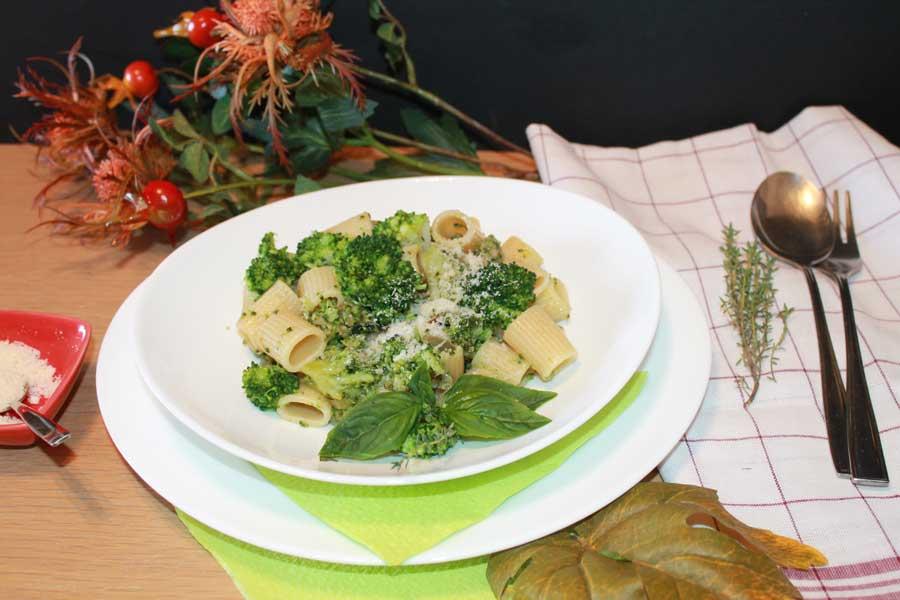 ricetta mezze maniche Aliveris con broccoli e salsiccia