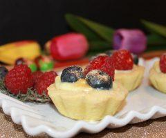 Ricetta tartellette cioccolato bianco e frutti di bosco