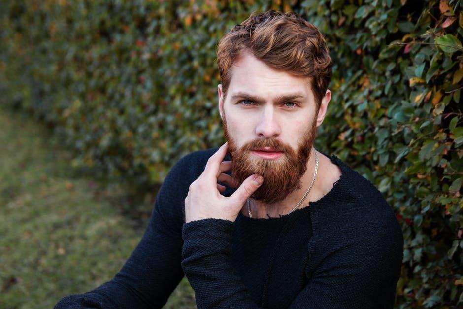 capelli e barba uomo tendenze