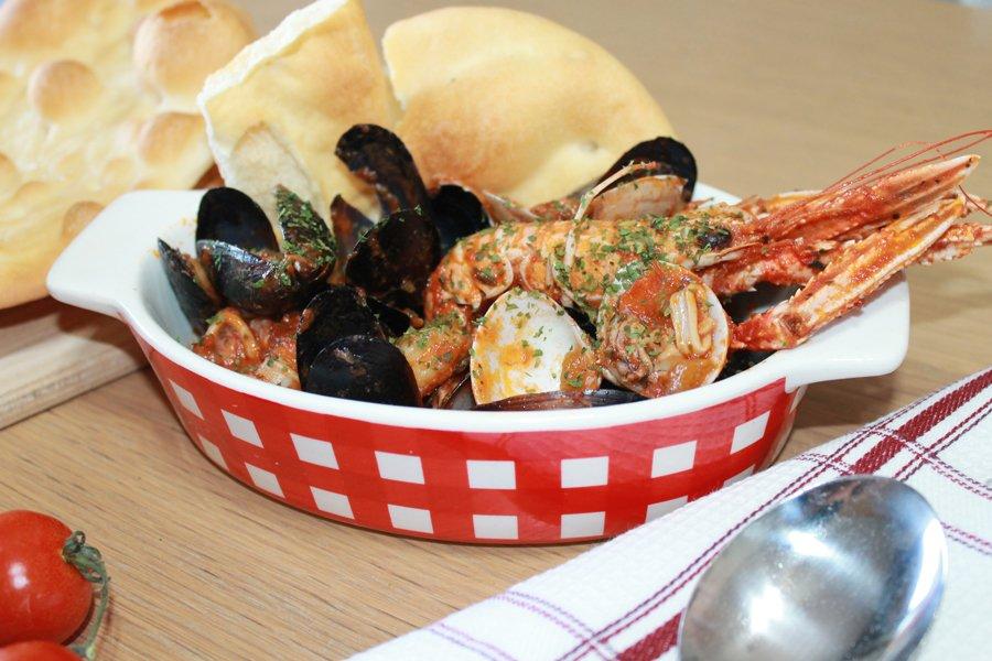ricetta zuppa di pesce con gallette del marinaio