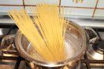 Speciale Halloween: ricetta spaghetti mostruosi